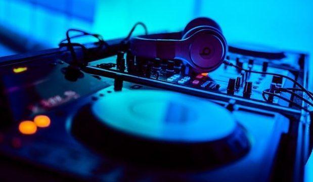"""mehr als """"nur"""" ein DJ"""